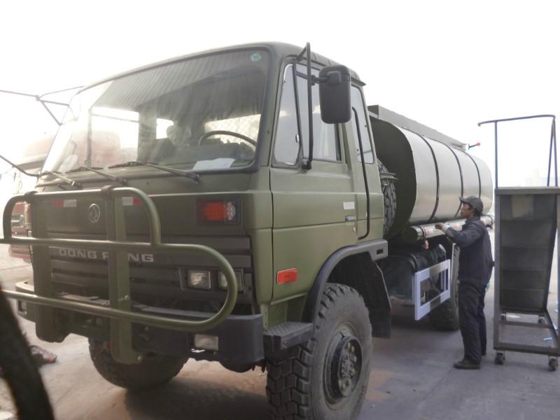东风六驱越野卡车
